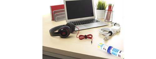 Kabelbinder 1. Im Büro