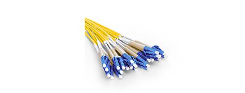 MTP® / MPO-LC Breakoutkabel  LC Stecker mit geringem Steckverlust