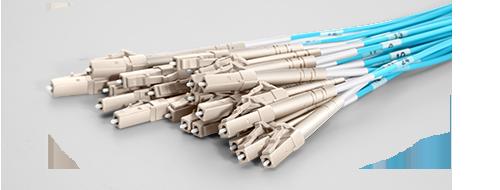 MTP® / MPO-LC Breakoutkabel LC Stecker mit Premium-Keramikferrule