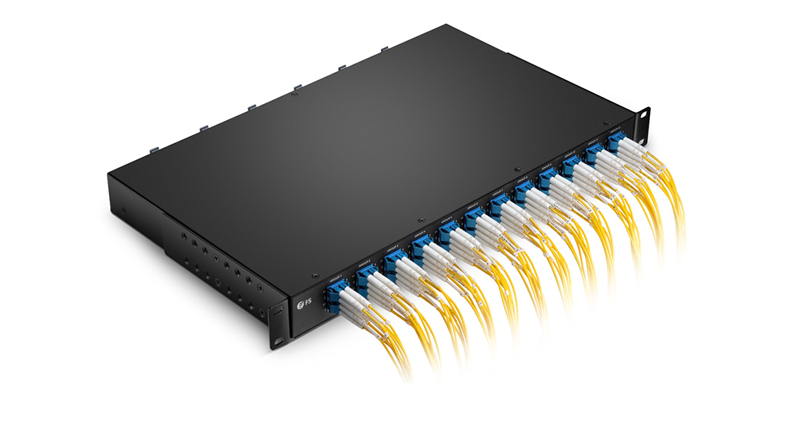 FHU MTP®-LC Breakout Panels Silk-labeled Design with Optimized Front Adapters