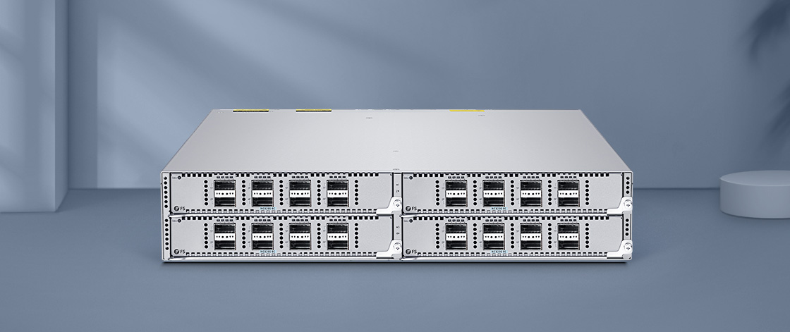 Switches 100G Implementación flexible con switch basado en chasis