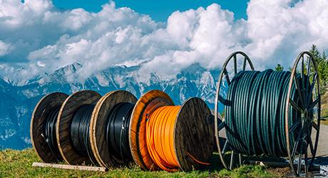 https://img-en.fs.com/community/uploads/post/202005/15/25-how-to-install-pulling-grip-for-fiber-optic-cable-pulling-8.jpg