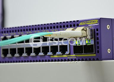 Fs Extreme_networks_X670V.jpg